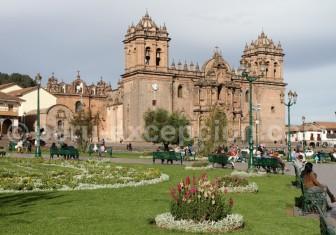 cathedrale-place-armes-cuzco-750x525