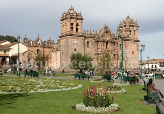 cathedrale-place-armes-cuzco-750x525